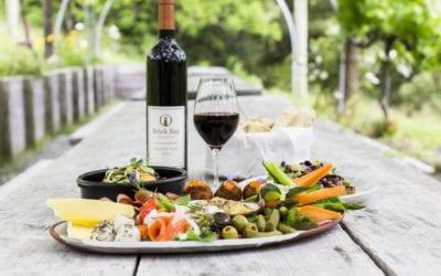 Helicopter Tour: Wine & Dine Matakana & Waiheke